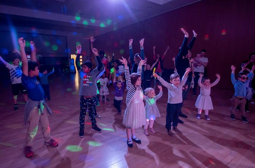 Children dancing at Discomania