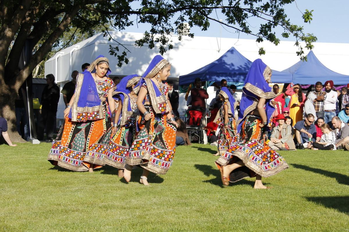 Diwali Festival dancers