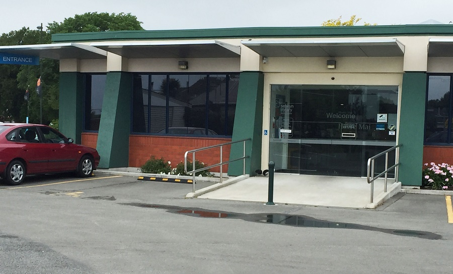 The entrance to Leeston Library