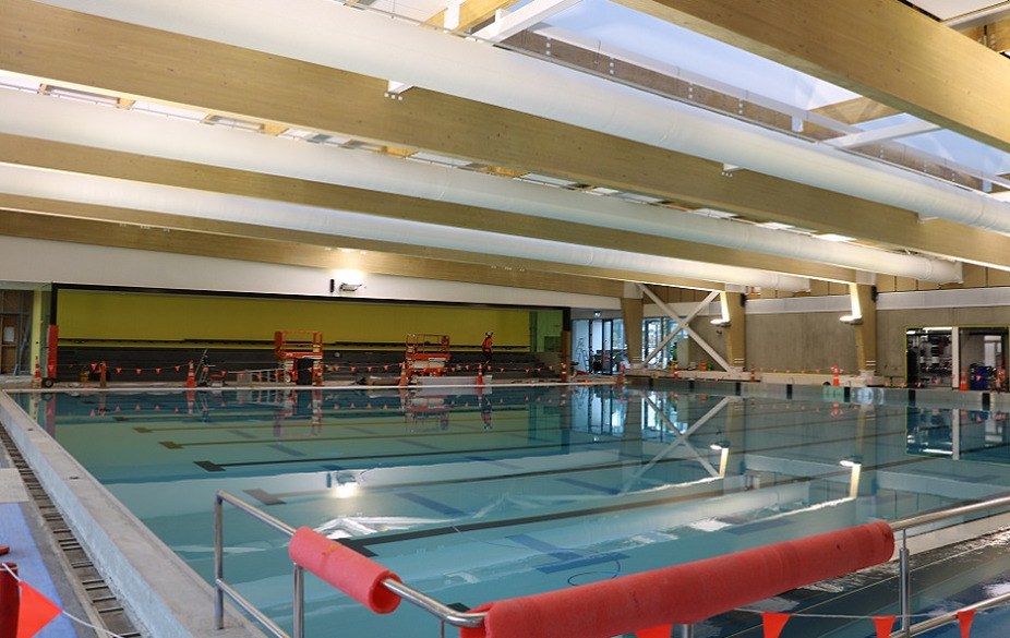 The new pool at the Selwyn Aquatic Centre with construction material round the outside