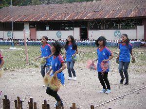 School-children-doing-traditional-dance-for-NZ-visitors